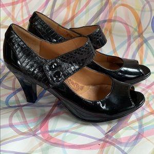 SOFFT Leather Heeled Sandals   Black   US 7 M
